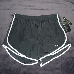 NWT Nike Dry Dri-Fit Tempo Run Shorts L